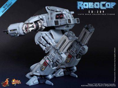 ed-209-hot-toys-back